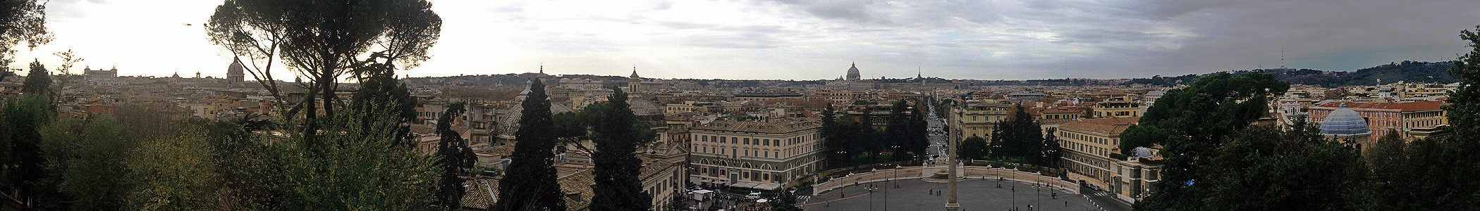 Blick vom Piazzale Napoleone: Piazza del Popolo Rom