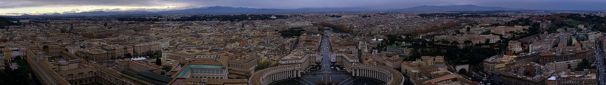 Vatikan Petersdom: Ausblick von der Kuppel