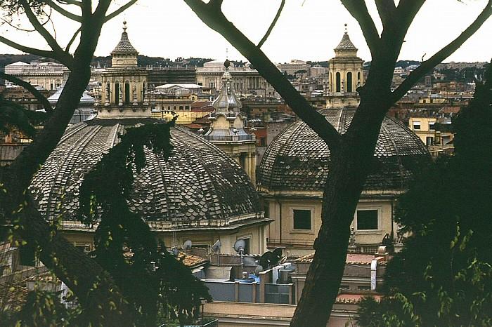 Kuppeln von Santa Maria di Montesanto (links) und Santa Maria dei Miracoli Rom