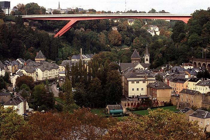 Luxemburg Alzette-Tal mit Pont G-D Charlotte Vauban-Türme