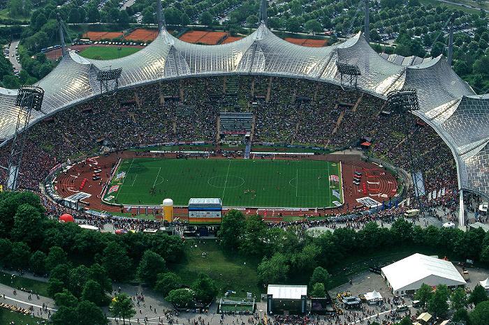 München Blick vom Olympiaturm: Olympiastadion