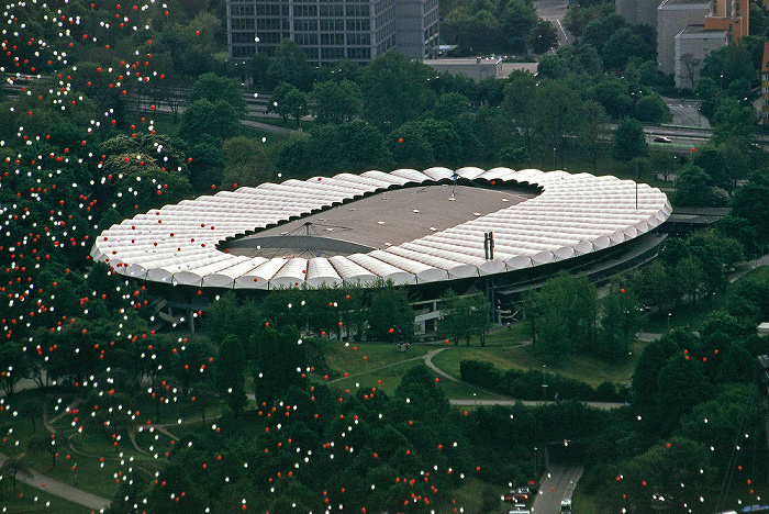 München Blick vom Olympiaturm: Ehem. Olympiaradstadion Radstadion