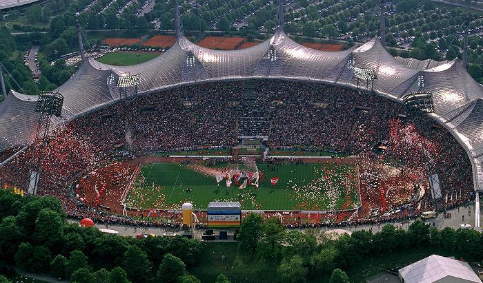 München Blick vom Olympiaturm: Olympiastadion FC Bayern München
