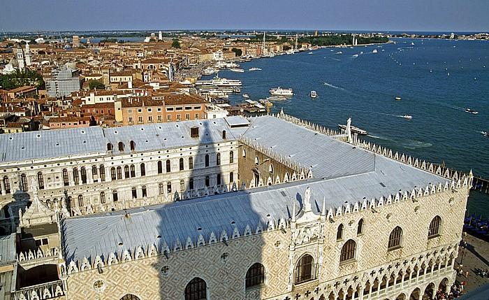 Venedig Blick vom Campanile: Dogenpalast Riva degli Schiavoni