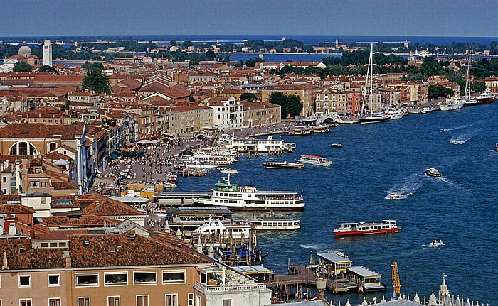 Venedig Blick vom Campanile: Riva degli Schiavoni