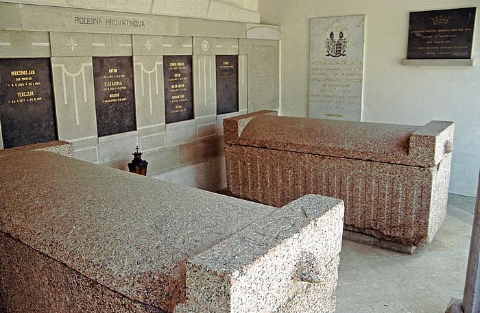 Vipava Friedhof: Altägyptische Sarkophage aus den vierten und fünften Dynastien