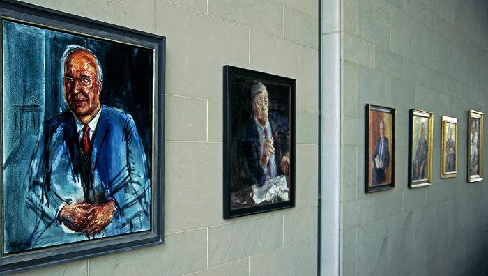 Berlin Bundeskanzleramt: Galerie der ehemaligen Bundeskanzler