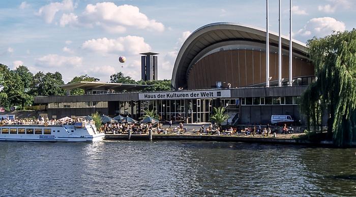 Tiergarten: Spree, Haus der Kulturen der Welt (Kongresshalle) Berlin 2005