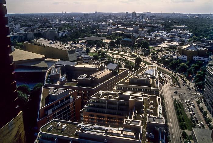Blick vom Gebäude Potsdamer Platz 1: Kulturforum Berlin 2005