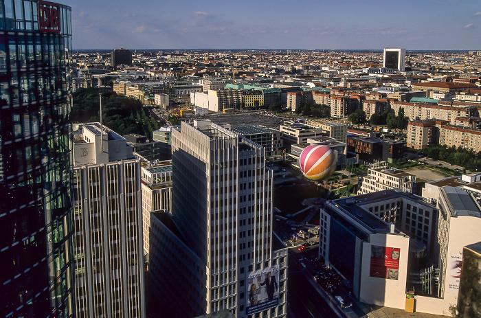 Blick vom Gebäude Potsdamer Platz 1: Potsdamer Platz, Mitte Berlin 2005