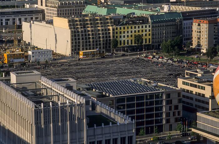 Blick vom Gebäude Potsdamer Platz 1: Denkmal für die ermordeten Juden Europas Berlin 2005