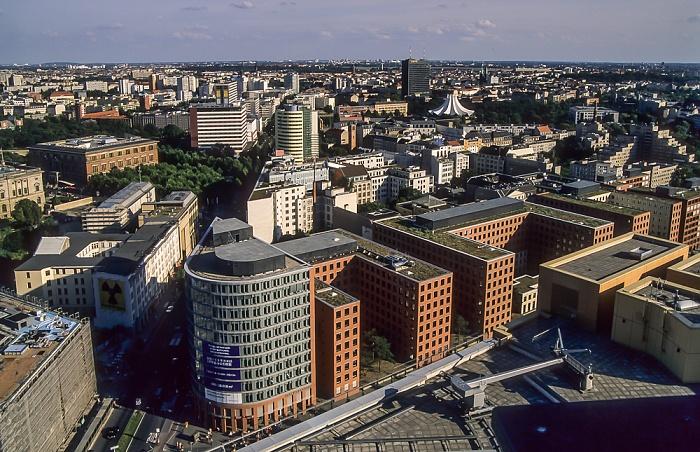 Blick vom Gebäude Potsdamer Platz 1: Park Kolonnaden Berlin 2005