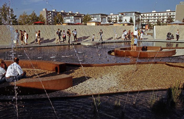 München Bundesgartenschau: Die Pfütze - Wasser-Haus Bundesgartenschau 2005