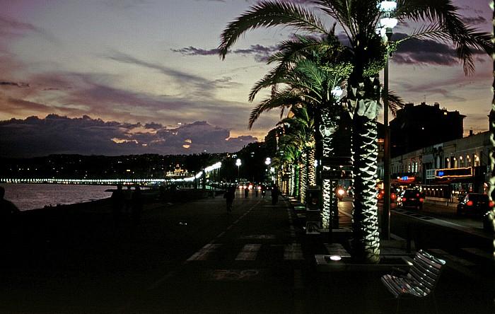 Nizza Quai des Etats Unis, dahinter die Promenade des Anglais