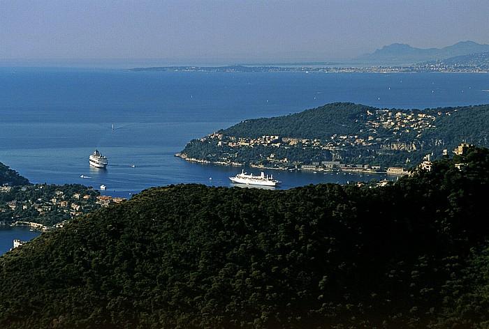 Èze Bucht von Villefranche-sur-Mer, dahinter Mont Boron