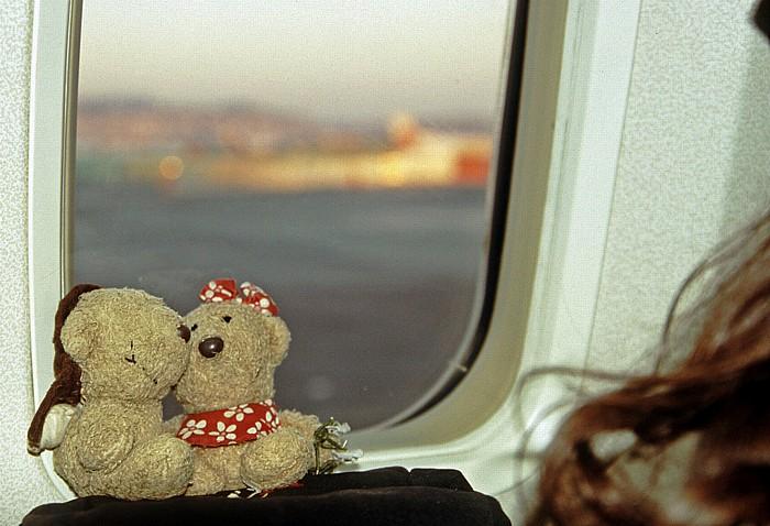Nizza Flughafen Côte d' Azur: Teddy und Teddine im Flugzeug Flughafen Cote d' Azur
