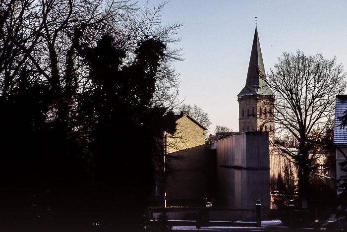 Osnabrück Katharinenkirche, davor Felix-Nussbaum-Haus