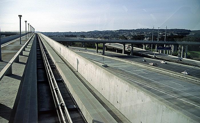 Flughafen San Francisco International AirTrain Highway 101