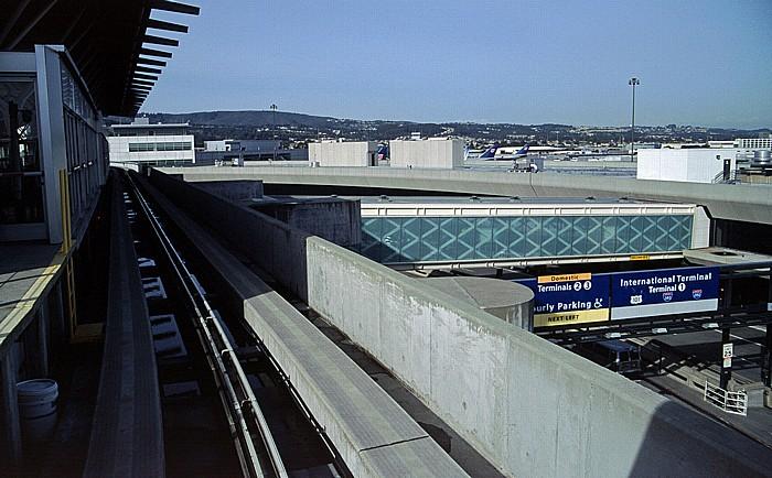 Flughafen San Francisco International: AirTrain, Terminal 3