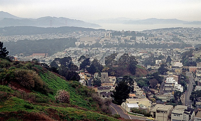 San Francisco Blick von Twin Peaks Golden Gate Bridge Golden Gate Park Panhandle Presidio Saint Ignatius Church San Francisco Bay