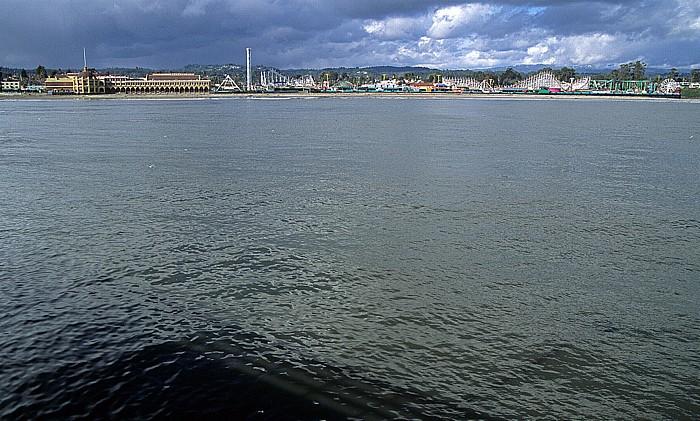 Blick von der Pier: Monterey Bay und Santa Cruz Beach Boardwalk Giant Dipper