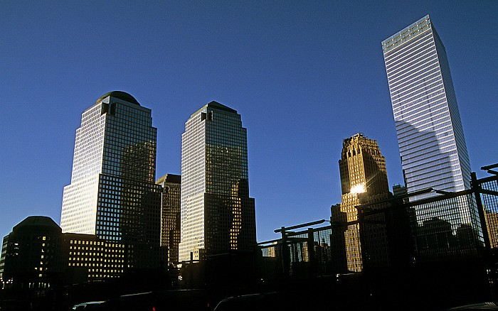 New York World Financial Center (links) und 7 World Trade Center (rechts)
