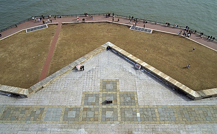 New York Blick vom Sockel der Freiheitsstatue: Liberty Island