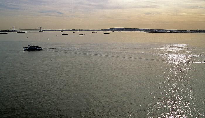 New York Blick vom Sockel der Freiheitsstatue: Upper Bay Brooklyn Lower Bay Staten Island Verrazano Narrows Bridge