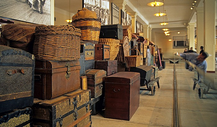 New York Ellis Island: Gepäckraum im Hauptgebäude