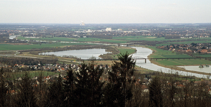 Porta Westfalica Blick vom Kaiser-Wilhelm-Denkmal in Richtung Nordosten