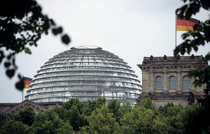 Reichstagsgebäude: Gläserne Kuppel Berlin 2006