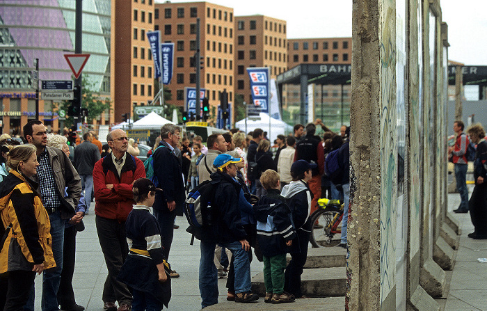 Potsdamer Platz: Reste der Berliner Mauer Berlin 2006
