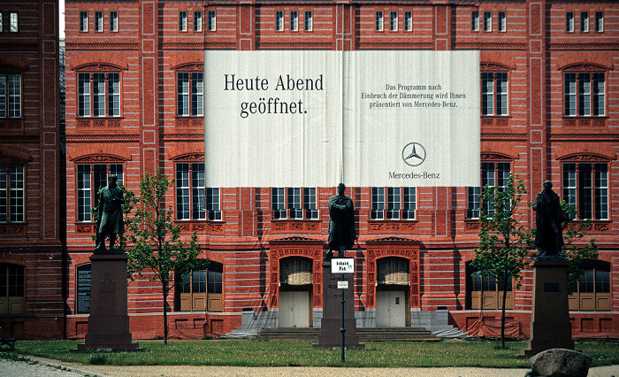 Schinkelplatz: Musterfassade und Schaufassade der Bauakademie in Berlin-Mitte