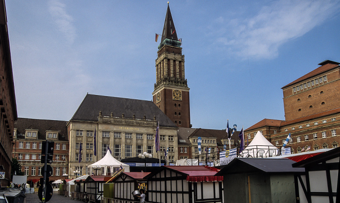 Rathaus, Rathausplatz (Kieler Woche) Opernhaus
