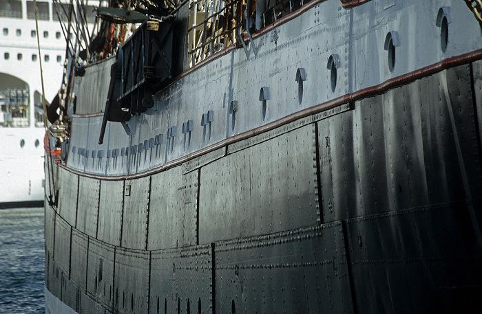 Kiel Hafen: Viermastbark Sedov Viermastbark Sedov