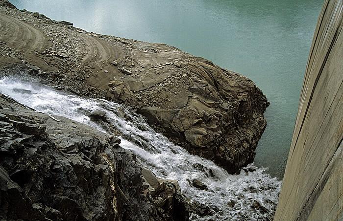 Kapruner Tal Zufluss zum Stausee Mooserboden Drossen-Staumauer