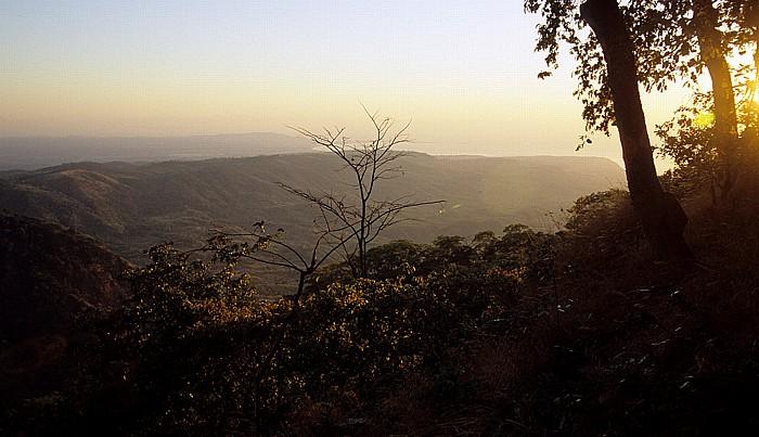 Livingstonia Blick vom Campingplatz Lukwe Eco Camp: Sonnenaufgang