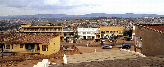 Kigali Restaurant Hôtel Okapi: Blick in Richtung Norden Boulevard de Nyabugogo