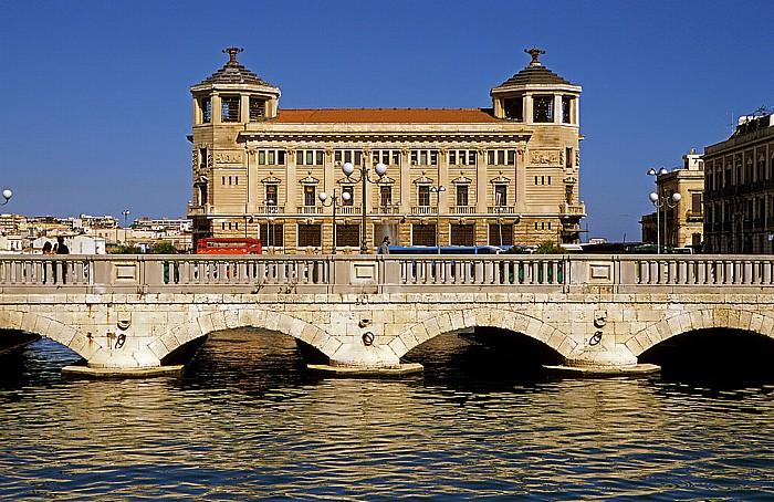 Syrakus Altstadt: Ponte Nuovo, Palazzo delle Poste