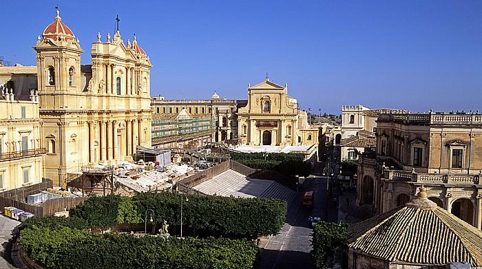 Noto Blick vom Capanile von Chiesa S. Carlo: Piazza Duomo Dom Madre San Nicolò di Mira Palazzo Ducezio