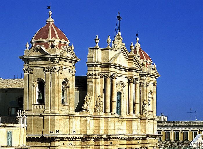 Noto Blick vom Capanile von Chiesa S. Carlo: Dom Madre San Nicolò di Mira