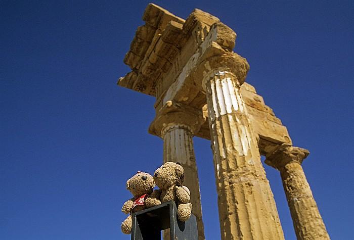 Agrigent Tal der Tempel: Dioskuren-Tempel: Teddine und Teddy