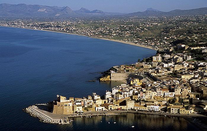 Castellammare del Golfo Links der Golfo di Castellammare