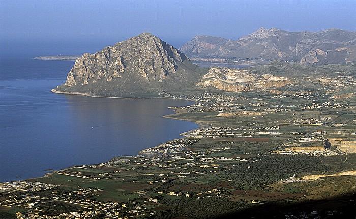 Erice Blick vom Kastell: Golfo di Bonagia und Monte Cófano