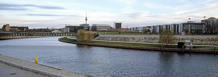 Berlin Spree Fernsehturm Marie-Elisabeth-Lüders-Haus Paul-Löbe-Haus