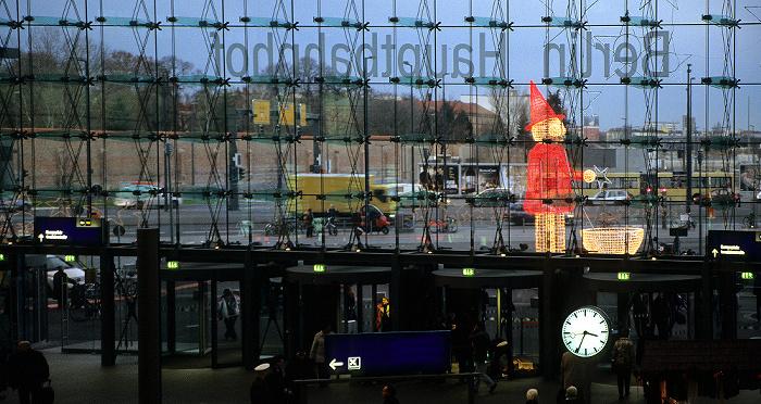 Berlin Hauptbahnhof: Blick auf den Europaplatz
