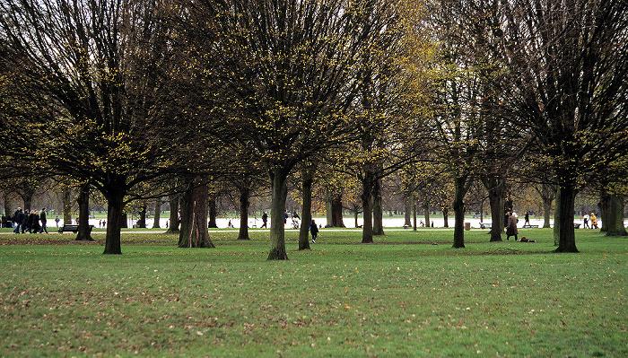 London Kensington Gardens: The Round Pound