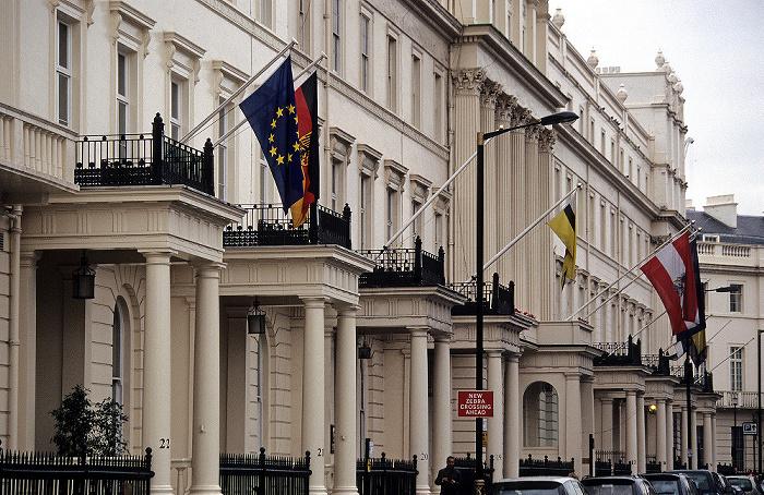 London Belgravia: Belgrave Square - Deutsche Botschaft