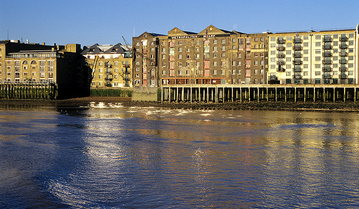 Metropolitan Wharf, Themse London