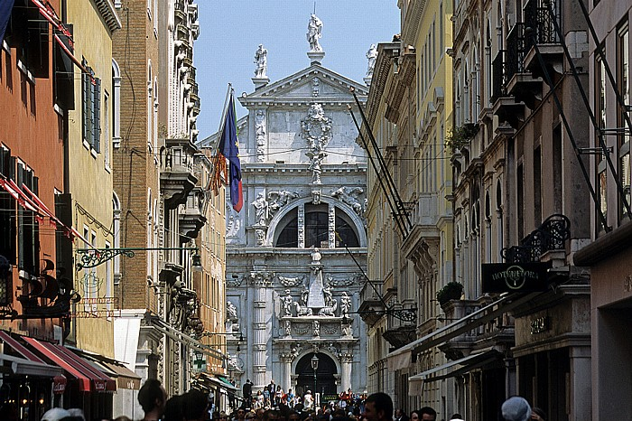 Venedig San Marco: Calle arga Ventidue Marzo, San Moisè
